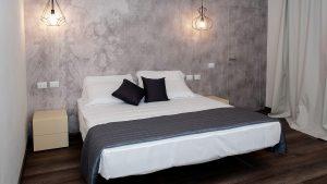 Y Elegance King camera con letto king size